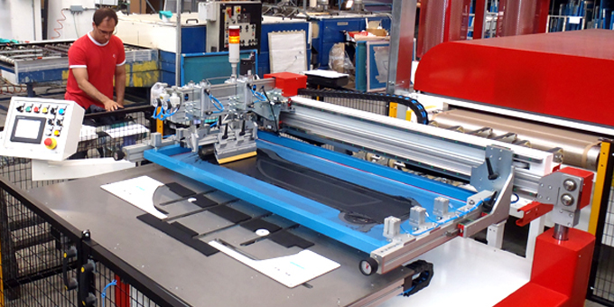Semi automatic printing line